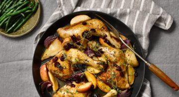 Pan-roasted chicken with winter fruits recipe
