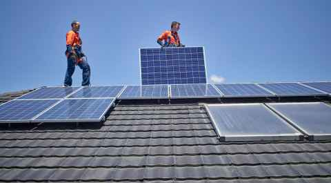 Reliable solar panels, batteries and systems - Origin Energy