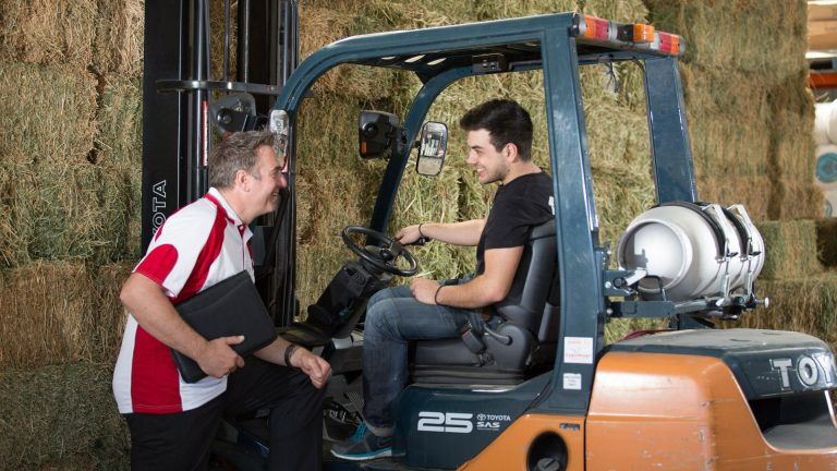 origin-lpg-account-manager-talking-to-forklift-customer